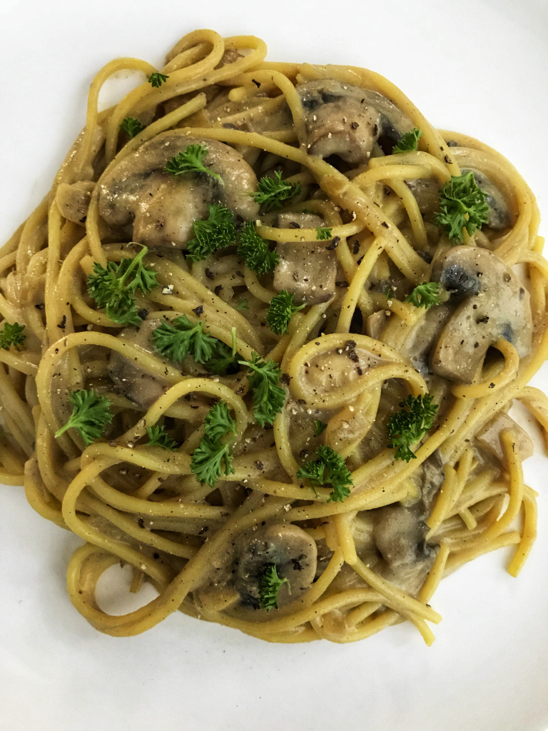 the-hungry-piggy-creamy-mushroom-vegan-carbonara-image-5