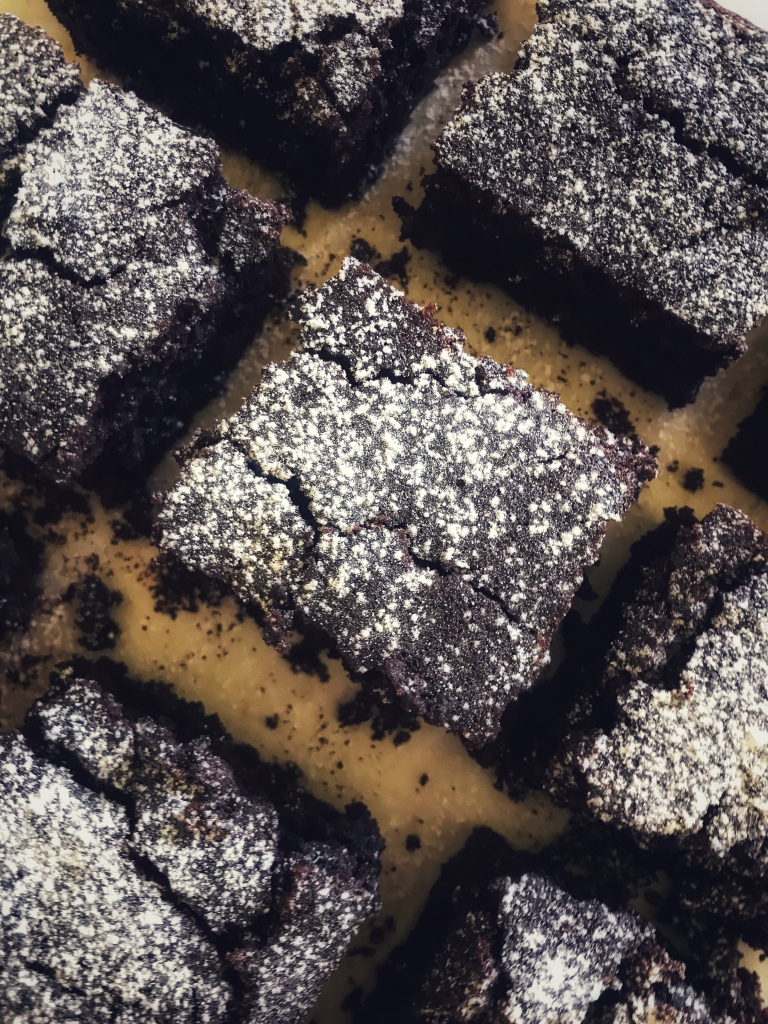 the-hungry-piggy-cakey-chocolate-brownies-image-4