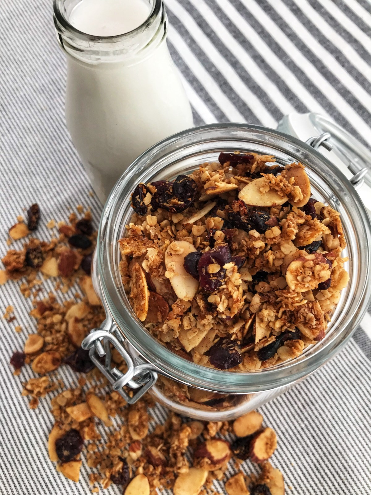 the-hungry-piggy-easy-homemade-granola-image-4