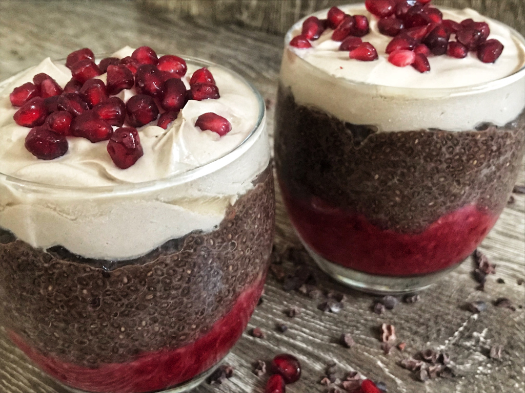 the-hungry-piggy-raspberry-chocolate-chia-seed-pudding-feature-image